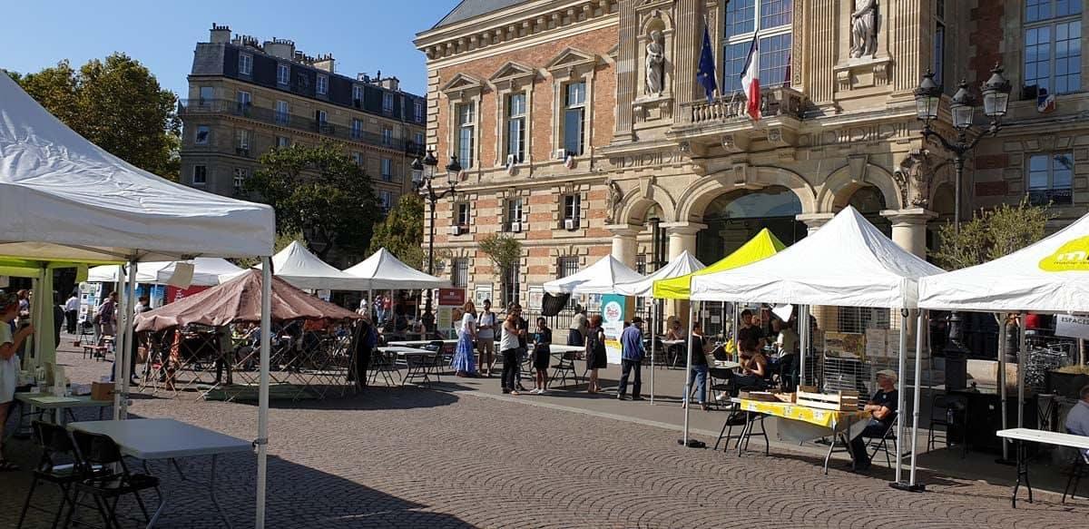 Le parvis de la Mairie du 19ème arrondissement de Paris accueille les acteurs éco-responsables des environs