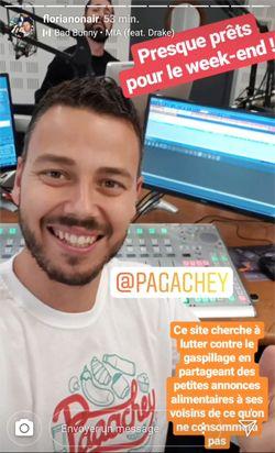FlorianOnAir arbore un t-shirt Pagachey